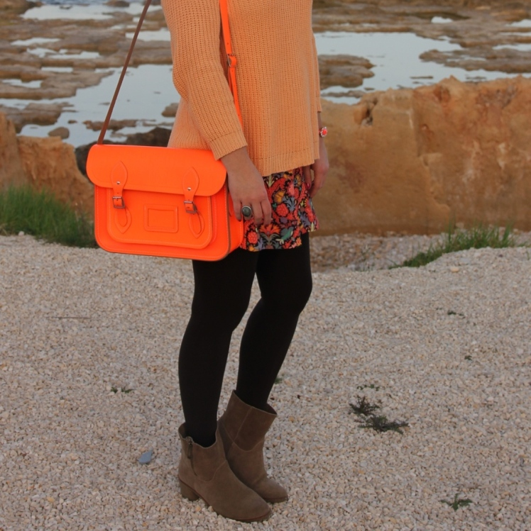 orange outfit flower skirt zara neon stachel