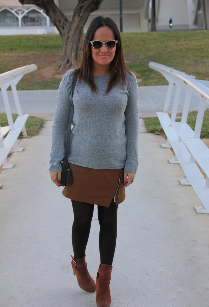 falda cuero marrón zara