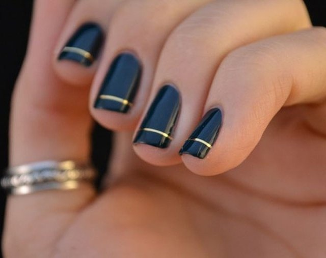 golden stripe nails