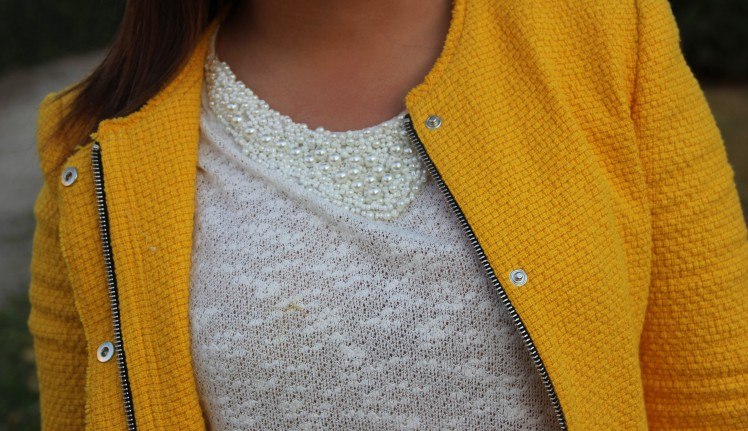 t-shirt with pearls yellow teed jacket