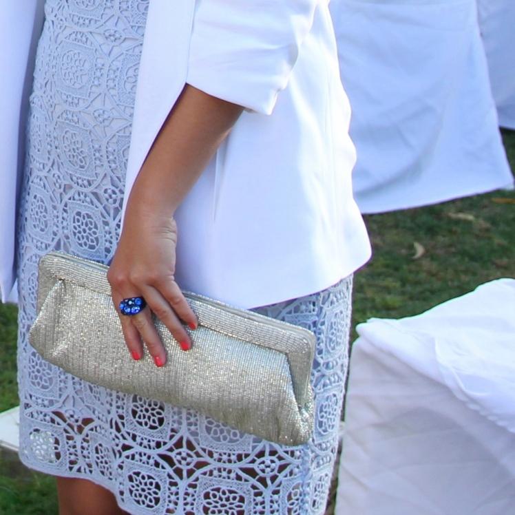 falda encaje azul pastel que llevar a una boda