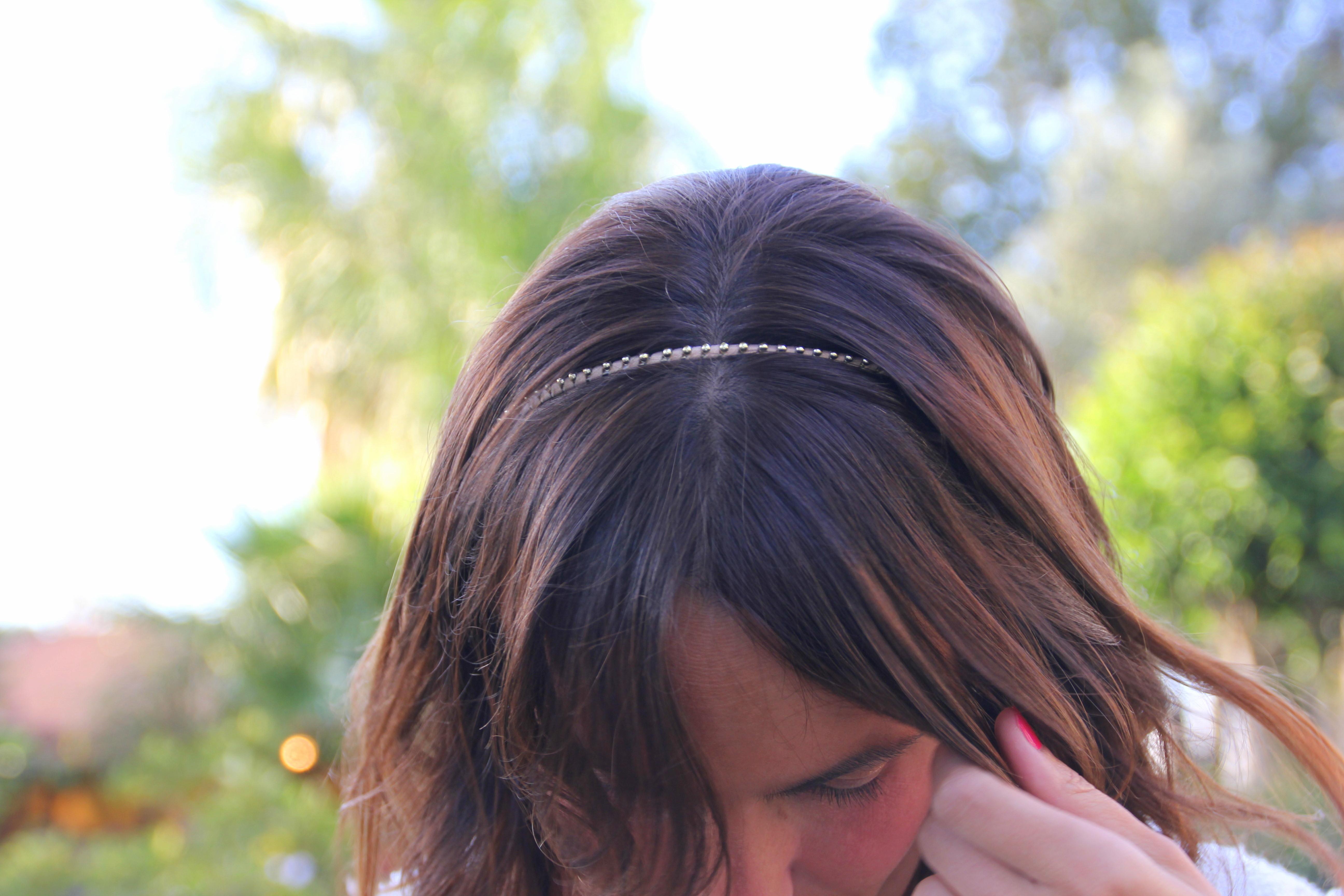 Clutch Zara. Diadema/Headband Sfera. Chaqueta/Jacket Zara (PARECIDA AQUÍ)