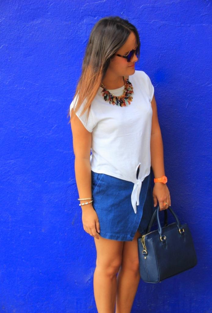 camiseta blanca lazo