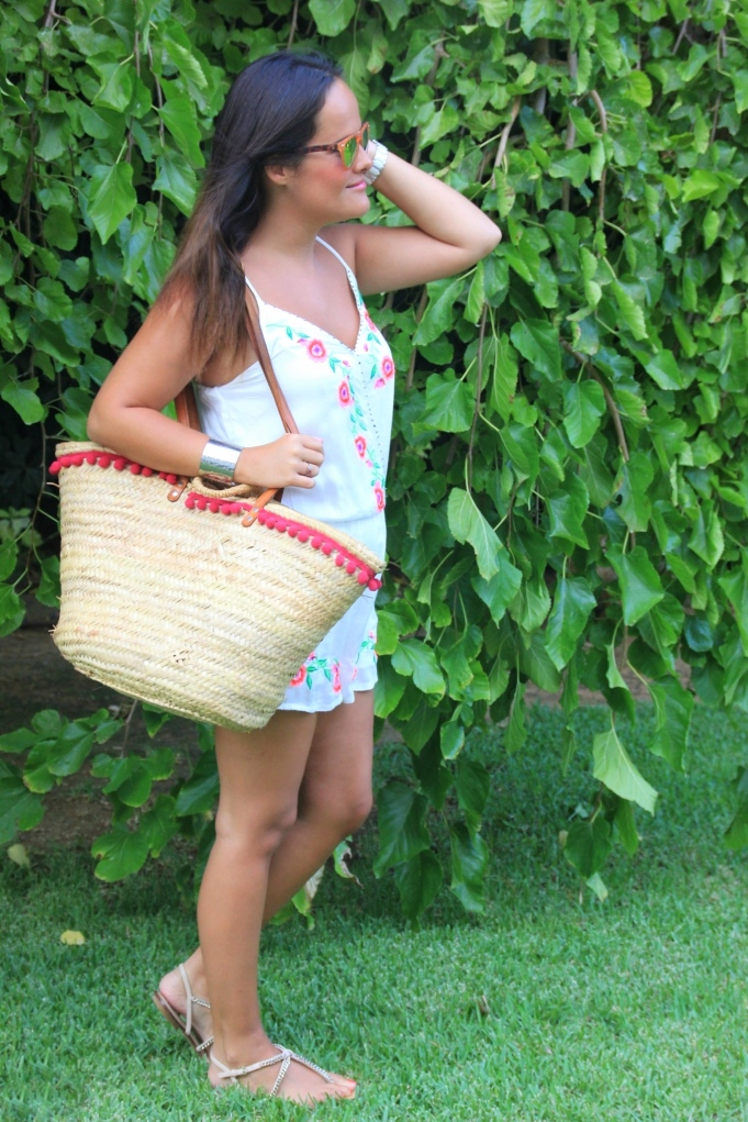 capazo verano con pompones
