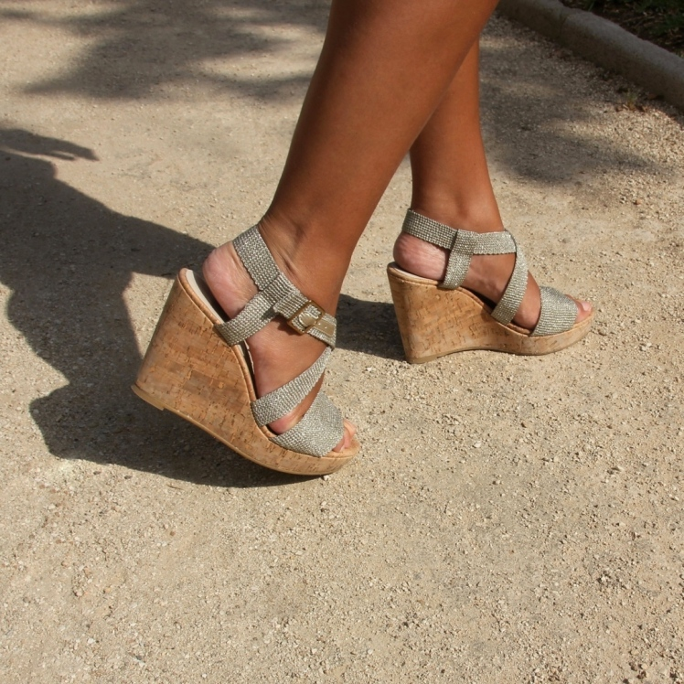 gold cork wedges