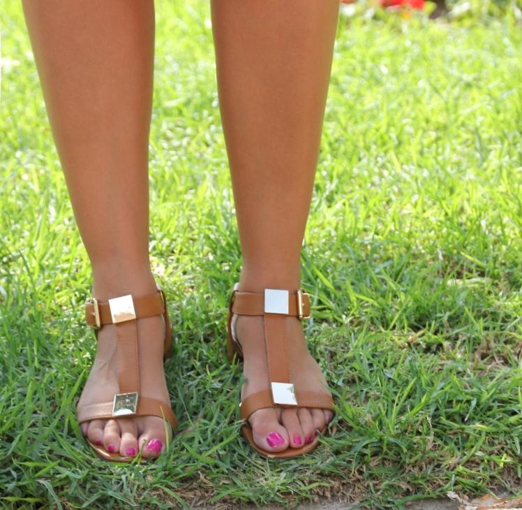 sandalias de piel marrones
