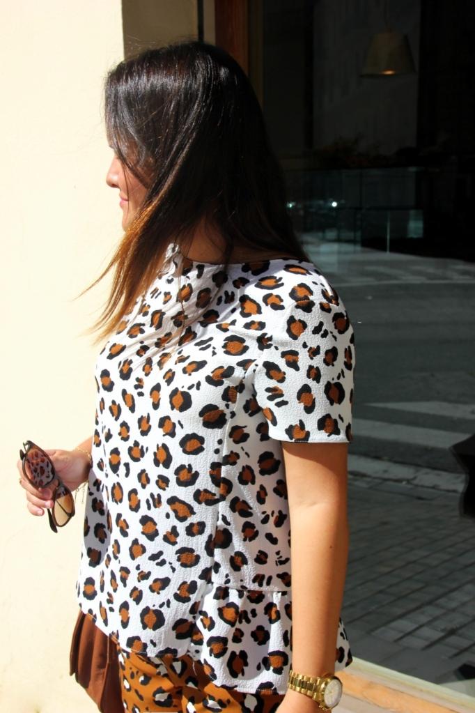 top leopardo zara