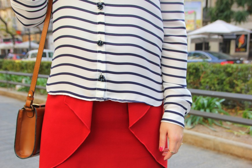 navy and red outfit