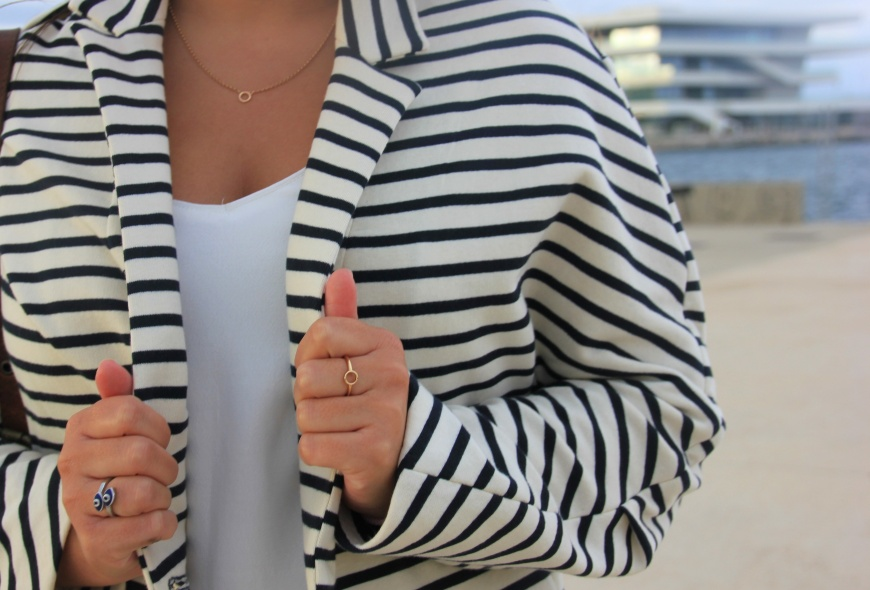 n.navy stripes blazer