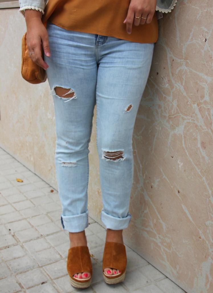 Boyfriend jeans_cuñas ante beige