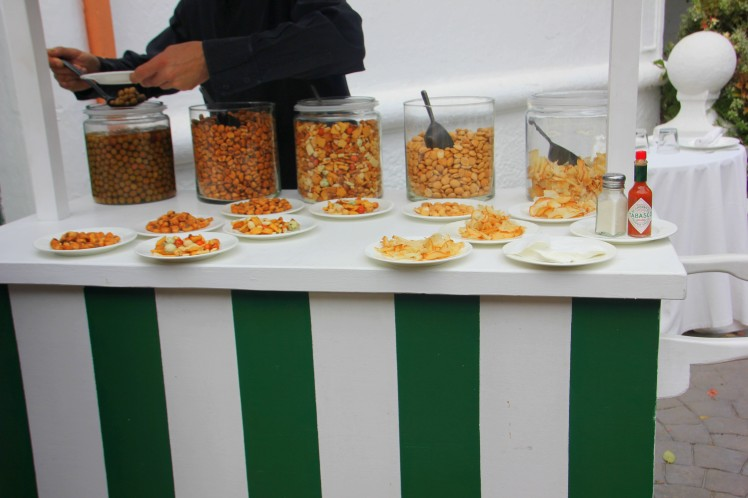 dried-fruits-and-nuts-stand-wedding